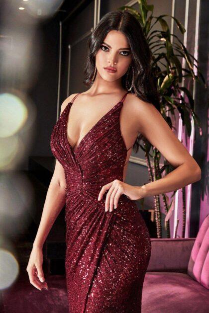 Un vestido sexy de color rojo en Venezuela, jamás pasará de moda, una belleza con la mejor calidad de lentejuelas y un diseño romántico de espalda abierta y escote en V