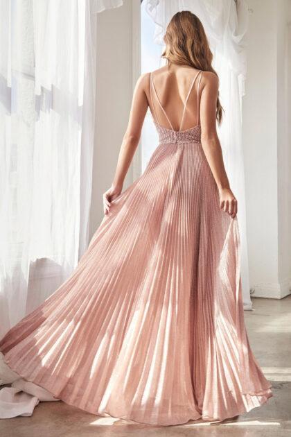 ¡Tenemos este modelo disponible bajo pedido en tallas grandes plus size! Consigue los mejores vestidos para gorditas con Evening Dress Boutique