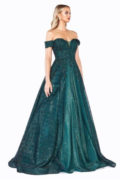 Vestido de baile color esmeralda, ideal para fiestas de graduación o un evento importante en donde quieras lucir espectacular