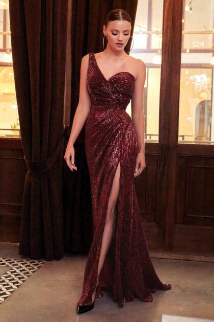 Evening Dress Boutique: Deslumbra la sala con este vestido largo de lentejuelas de un solo hombro, pide tu cita online