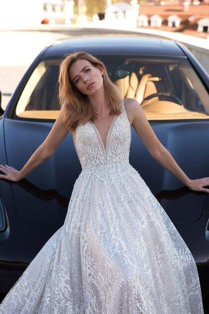 Vestidos de novia con pedrería y falda con forro trapezoilda única en Venezuela de la marca de diseñadores Pollardi - Bridal Room Boutique