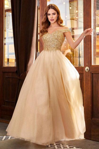 Debido a la alta demanda de muchos vestidos de fiesta en Venezuela de Evening Dress Boutique, este vestido se encuentra disponible exclusivamente bajo pedido. Agenda hoy una cita y consulta disponibilidad
