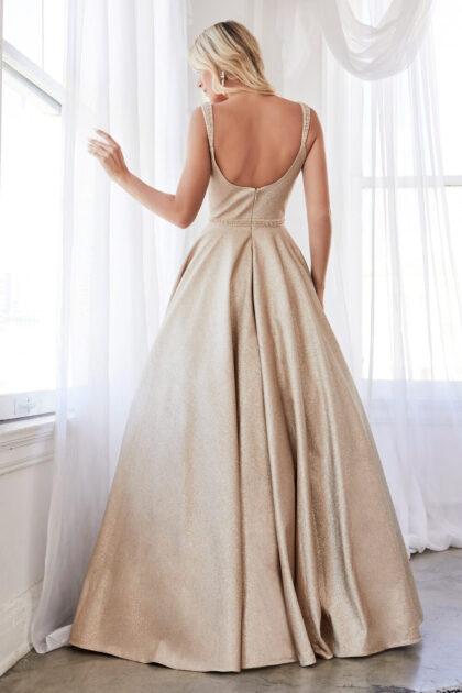 Luce un estilo clásico para tu próximo evento especial, así es este vestido de fiesta, elegante, clásico y sofisticado, consíguelo en Venezuela con Evening Dress Boutique