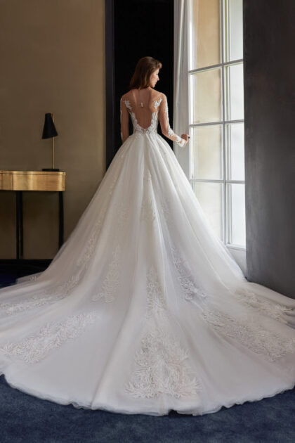 Vestidos de novia con espalda abierta en Venezuela - Bridal Room Boutique: embajadores exclusivos de los diseñadores Pollardi