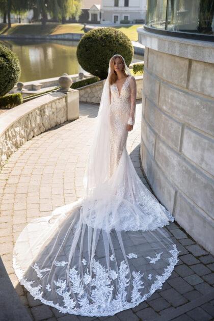 Vestidos de novia con cola larga y mangas largas en Caracas, Venezuela - Bridal Room Boutique te ofrece vestidos de Pollardi Fashion Group