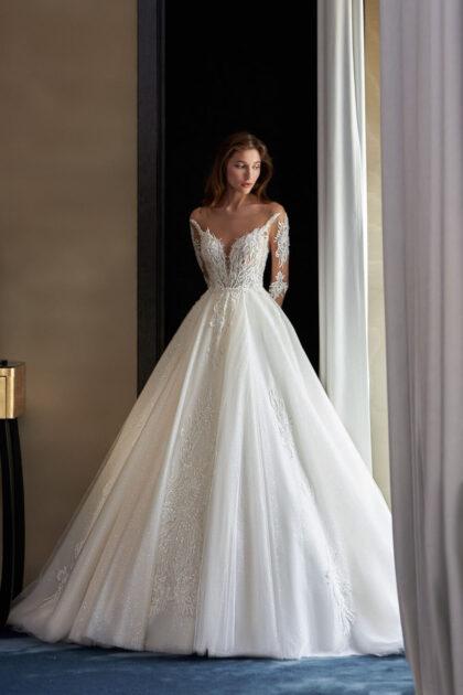 Vestidos de novia con encajes de pedrería, brillo y bordados en Venezuela marca Pollardi Fashion Group - Bridal Room Boutique