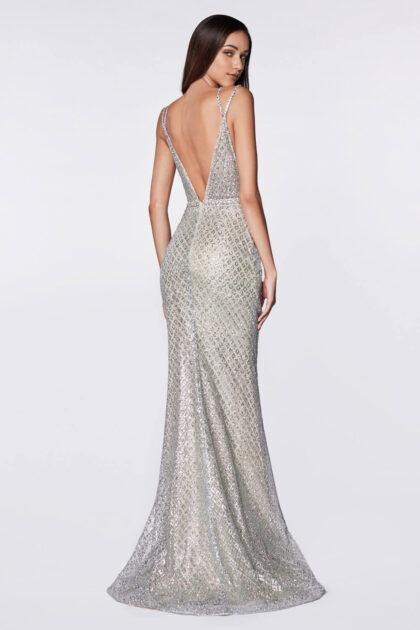 Amor a primera vista es lo que inspira este vestido de fiesta corte sirena con espalda abierta en V profunda - Consíguelo al mejor precio con Evening Dress Boutique, Venezuela