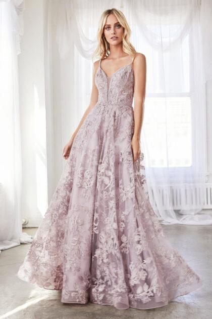 Vestido de gala con aplique de encaje a capas y escote en V profundo - Consíguelo al mejor precio de Venezuela con Evening Dress Boutique Isla de Margarita