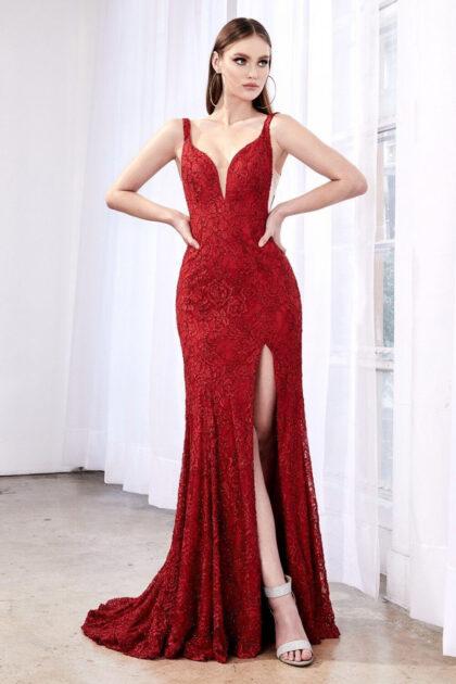 Vestido largo formal en Caracas, Distrito Capital, Venezuela - Modelo Svenja en color Deep Red: rojo profundo, escote en V y espalda abierta ovalada