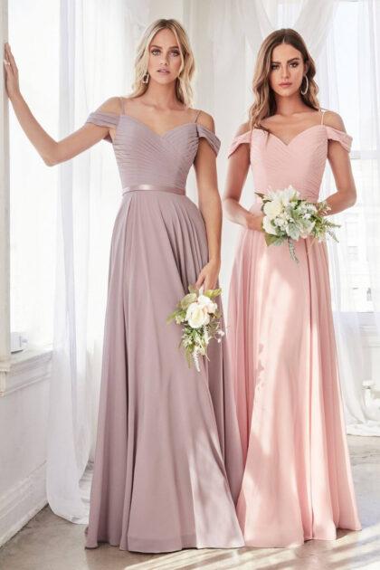 Agenda una cita presencial o virtual de vestidos de fiesta para que te asesoremos, sino también puedes visitarnos directamente en nuestra boutique del Centro Comercial La Vela, Margarita, Venezuela