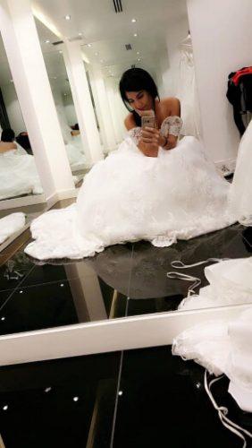 Prueba de vestido de novia en Panamá - Bridal Room Boutique: consigue los mejores vestidos de novias en Venezuela al mejor precio